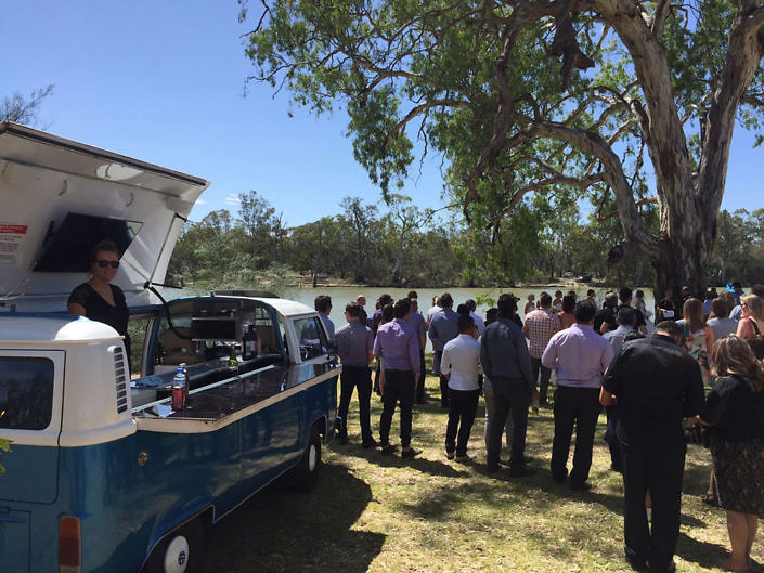 hire a bar at a Riverland wedding